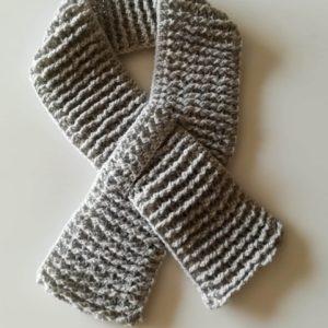 e5ff2db5adf Ηρώ παιδικό κασκόλ με τρύπα & πομ πον – Iro scarf with hole & pom ...